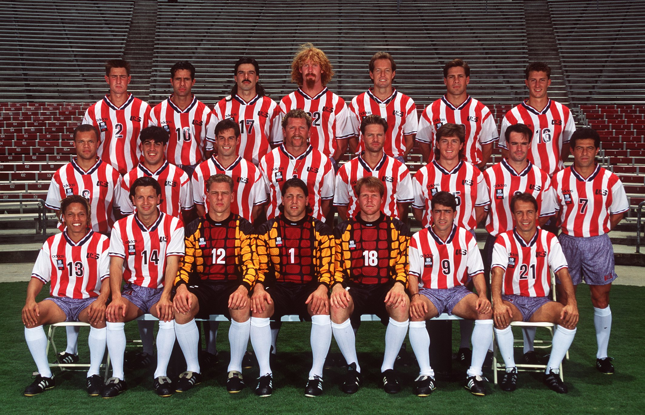 2 JUN 1994:  THE US NATIONAL SOCCER TEAM SQUAD FOR THE 1994 WORLD CUP FINALS. Mandatory Credit: Al Bello/ALLSPORT